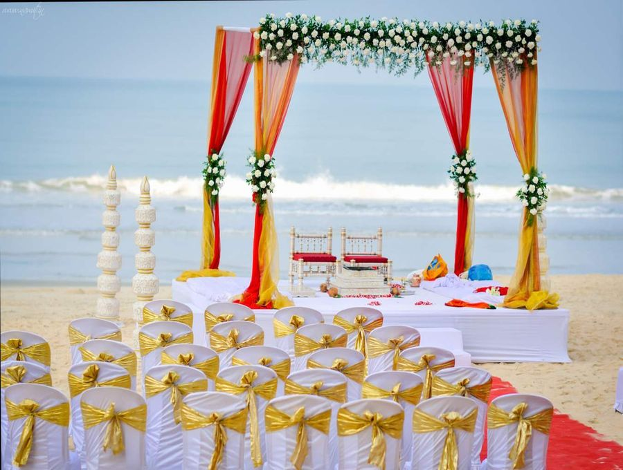Things to keep in mind if you are planning a beach wedding